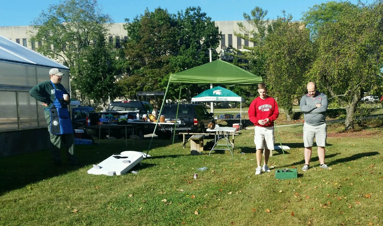 Washer toss game at MSU MMG tailgate